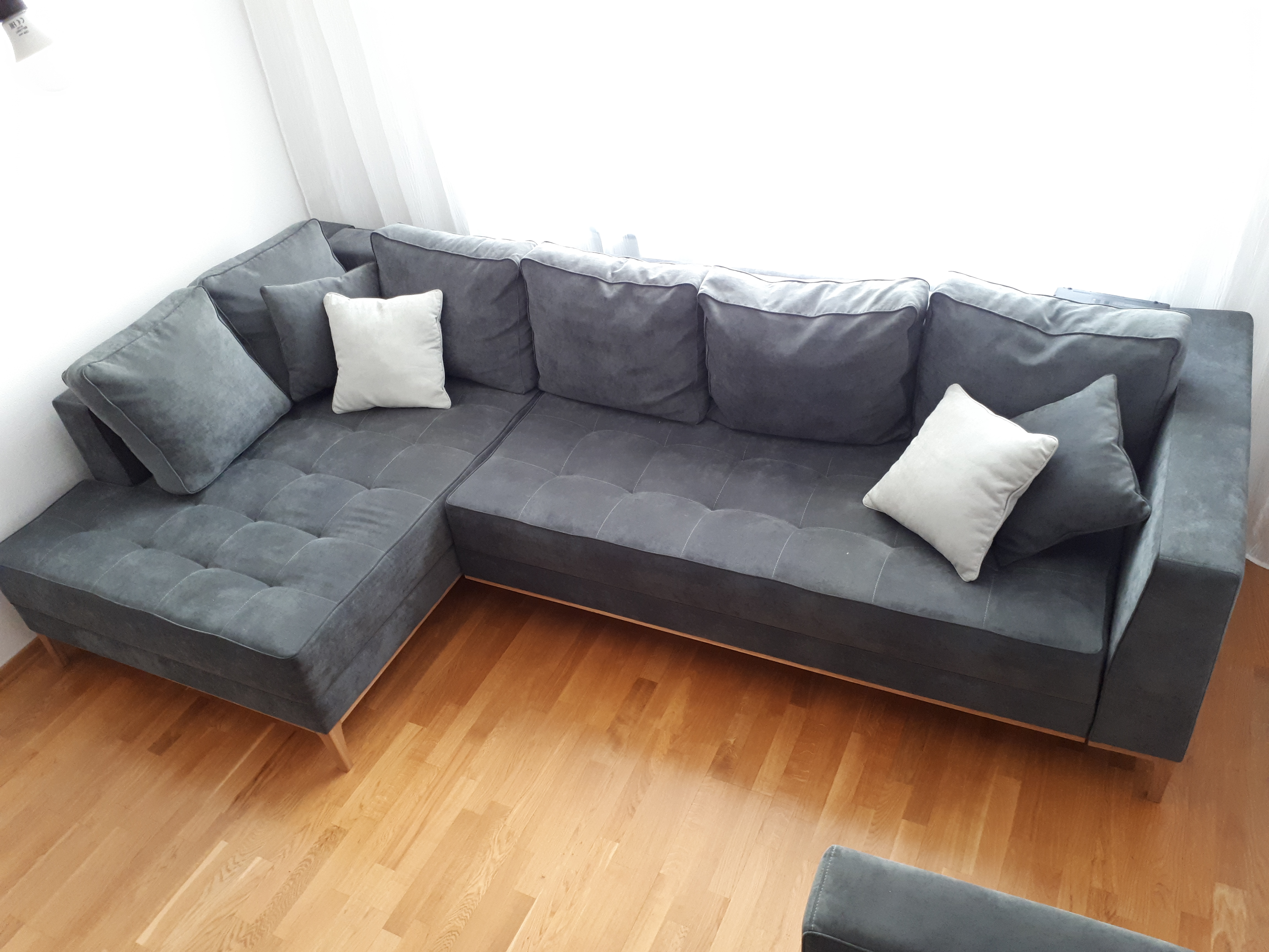 диван в интерьере