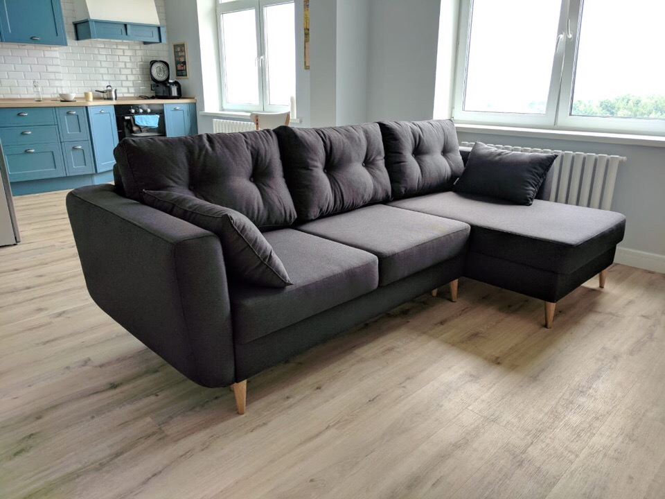 диван на высоких ножках